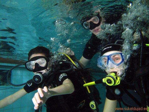 sukeldumine-silmad-vees-meresuu1