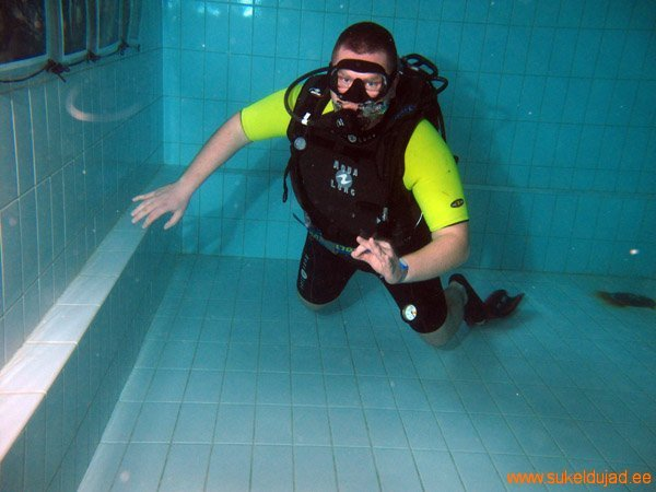 sukeldumine-silmad-vees-meresuu5