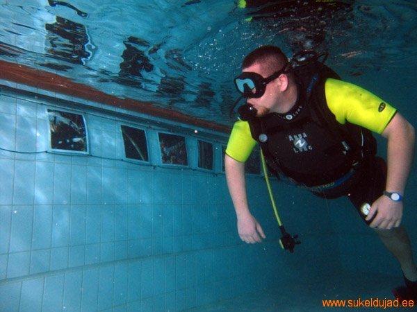 sukeldumine-silmad-vees-meresuu6