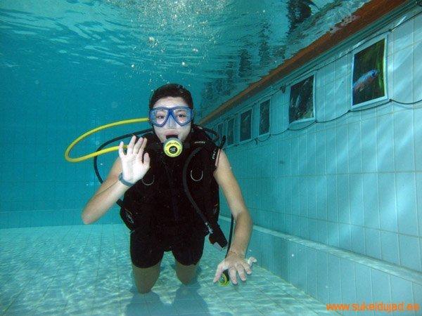 sukeldumine-silmad-vees-meresuu7